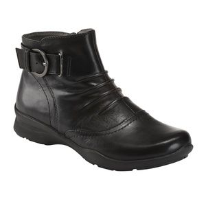 "Earth ""Tahoe"" Black Booties Size 8.5- EC!"